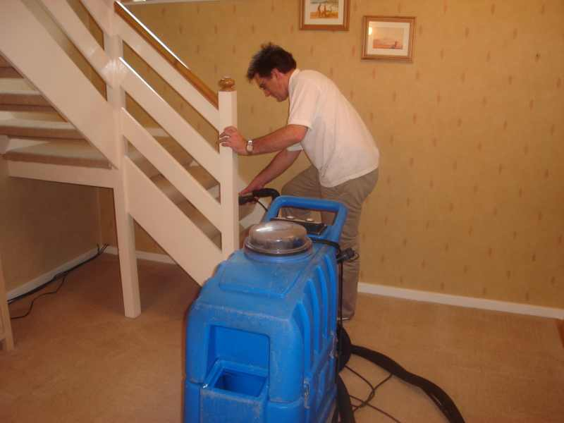 JJ Carpet Cleaning was first established for domestic carpet cleaning and our wide experience ranges from individual stain removal to cleaning every carpet ...